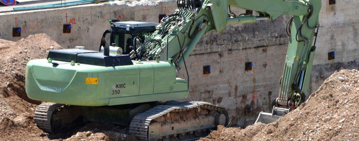 Ein Bagger in einer Grube als Beispiel für einen Alleinarbeitsplatz